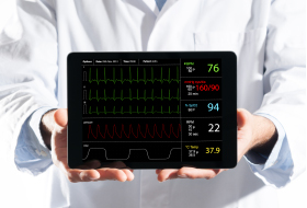 ekg monitoring machine